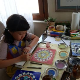 Tile painting lessons in Sultanahmet